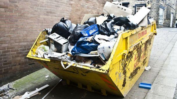 Už túto sobotu je zber odpadu s obsahom škodlivín a o týždeň neskôr pristaví mestská časť prvý veľkokapacitný kontajner na jarné upratovanie